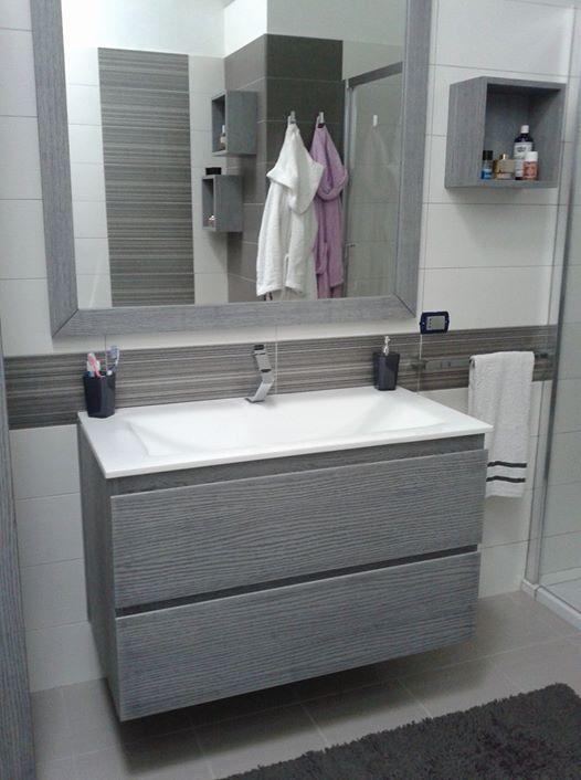Mobile bagno moderno in rovere spazzolato falegnameria for Servizi da bagno moderni