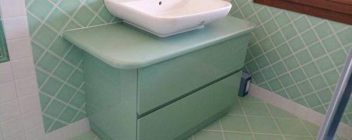 Mobile bagno laccato